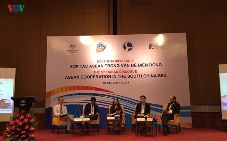 ASEAN dialogue seeks solutions to East Sea issues - ảnh 1