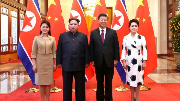 North Korean leader holds talks with Chinese President - ảnh 1