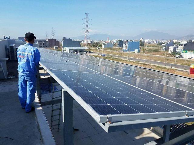 Vietnam banks boost retail lending for solar energy - ảnh 1