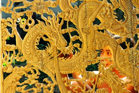 My Xuyen wood carving features Hue Royal Court  - ảnh 2