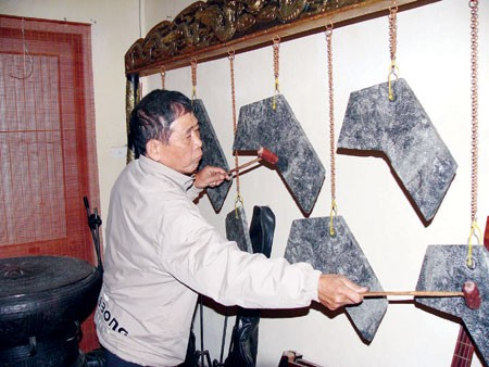 Ba Pho Music House, special space to preserve traditional musical instruments - ảnh 2