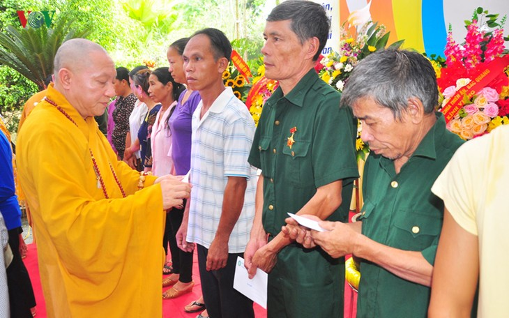 National requiem held for war martyrs, prays for national peace - ảnh 2