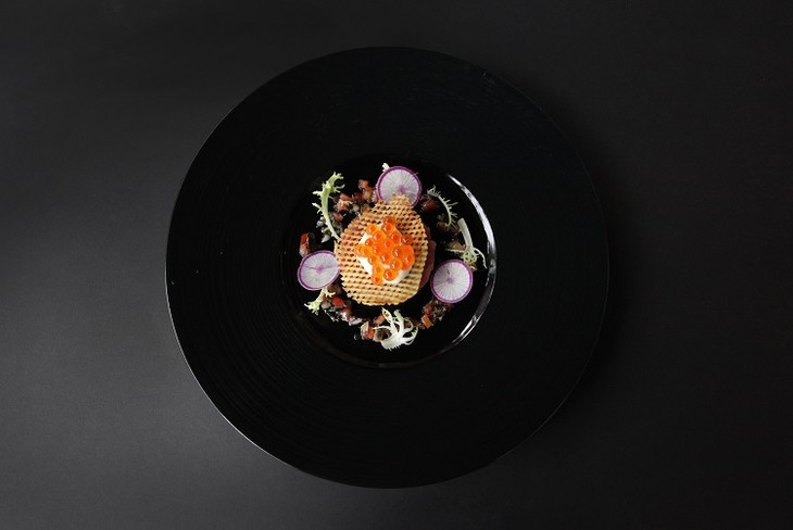 Metropole Hanoi debuts à la carte lunch and special five-course dinner menu - ảnh 1