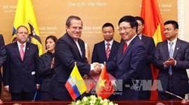 Le ministre des Affaires étrangères équatorien au Vietnam  - ảnh 1