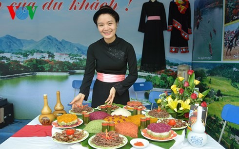 Coup d'envoi de la fête culturelle, sportive et touristique du Nord-Est - ảnh 1
