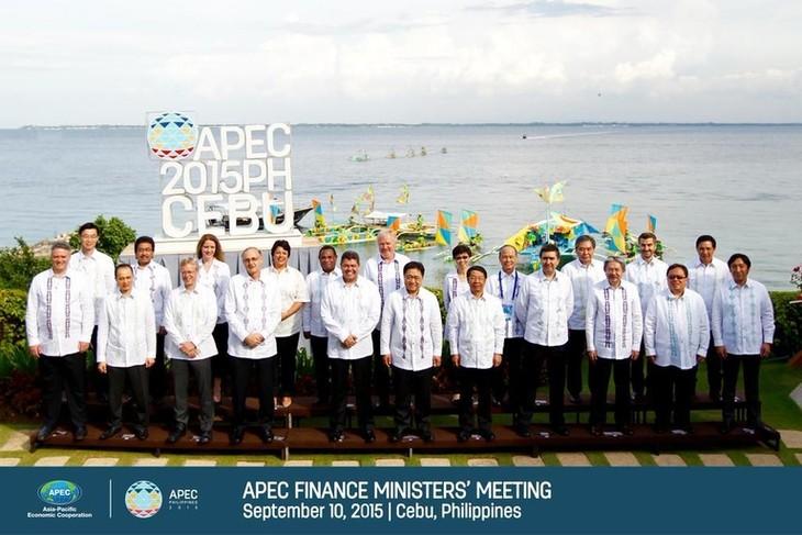 Devises: l'APEC s'engage à éviter les dévaluations compétitives - ảnh 1