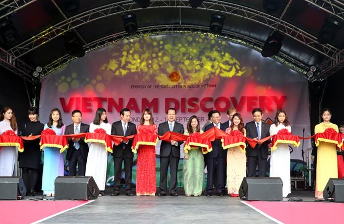Vu Van Ninh inaugure la fête de découverte du Vietnam 2015 au Royaume Uni - ảnh 1