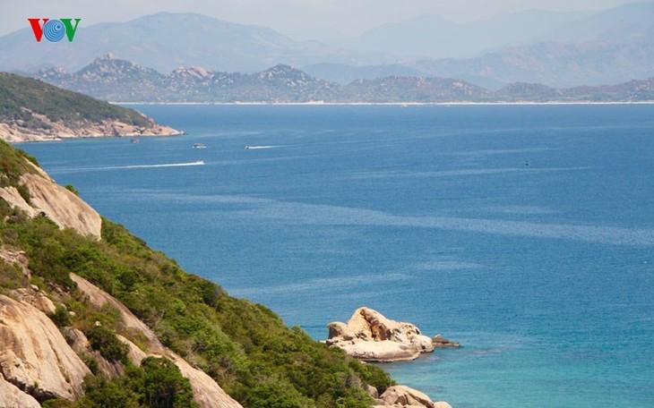 À la découverte de l'île de Binh Ba à Khanh Hoa - ảnh 9
