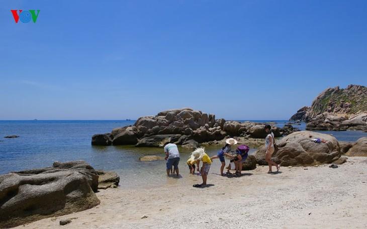 À la découverte de l'île de Binh Ba à Khanh Hoa - ảnh 5