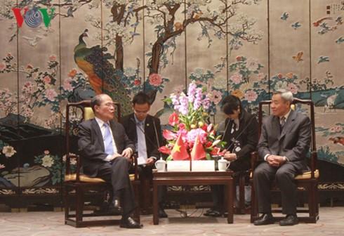 Le président de l'AN Nguyên Sinh Hùng en visite dans le Guangdong - ảnh 4