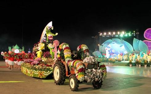 Ouverture du festival des fleurs de Dalat - ảnh 1