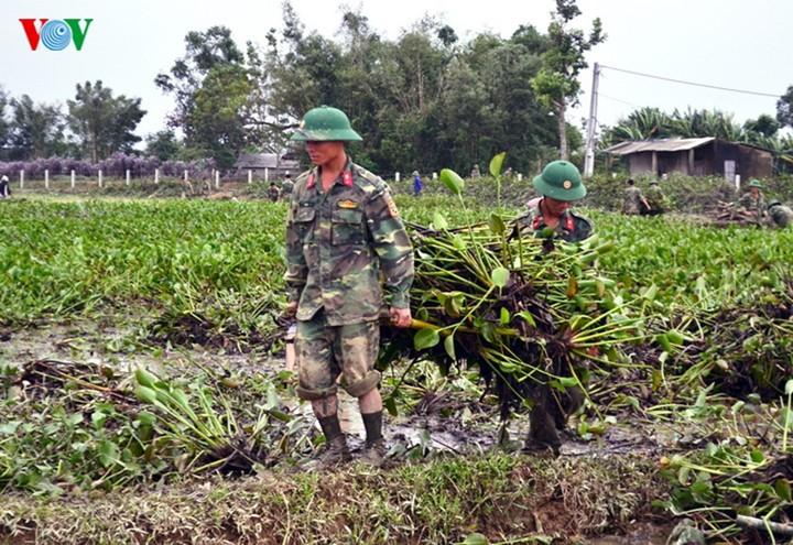 Rizières en danger: les soldats et les jeunes se mobilisent - ảnh 4