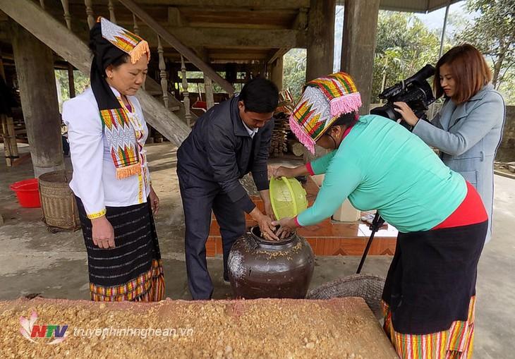 L'alcool chez les Thaï au Vietnam - ảnh 3