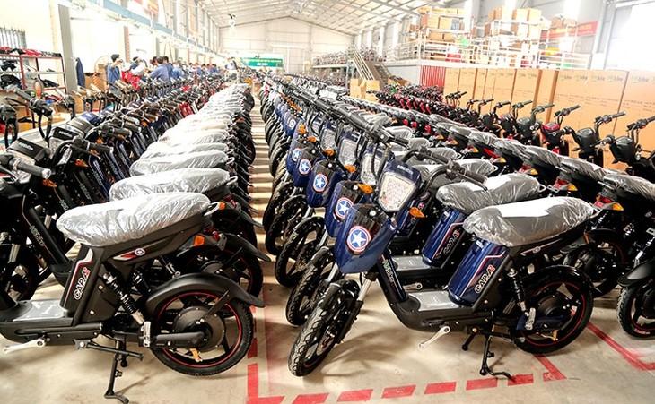 Les scooters et vélos électriques au Vietnam - ảnh 1