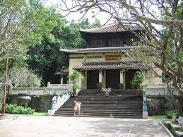 Tradisi Hari Haul Cikal Bakal Bangsa Raja Hung dan ciri baru dalam pesta adat Kuil Raja Hung pada tahun 2012. - ảnh 3