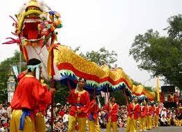 Tradisi Hari Haul Cikal Bakal Bangsa Raja Hung dan ciri baru dalam pesta adat Kuil Raja Hung pada tahun 2012. - ảnh 2