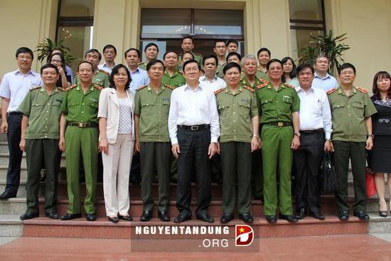 Presiden Negara Truong Tan Sang melakukan temu kerja dengan Kementerian Keamanan Publik tentang reformasi hukum - ảnh 1
