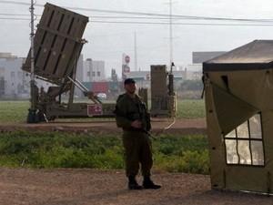 Israel menggelarkan sistim pertahanan rudal Kubah Besi dekat Mesir - ảnh 1