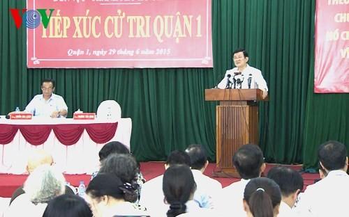 Presiden Truong Tan Sang melakukan kontak dengan pemilih kota Ho Chi Minh - ảnh 1