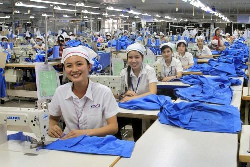 Kaum pekerja kota Ho Chi Minh memberikan keuntungan sebesar kira-kira 106 miliar dong Vietnam kepada Negara - ảnh 1
