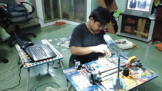 Nguyen Duong Kim Hao melakukan penelitian dan penciptaan untuk menjadi pemrogram komputer internasional - ảnh 1