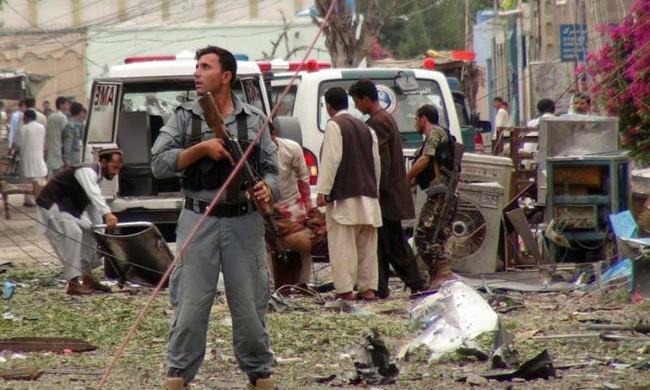 Serangan bom bunuh diri di dekat Konsulat Pakistan di Afghanistan - ảnh 1