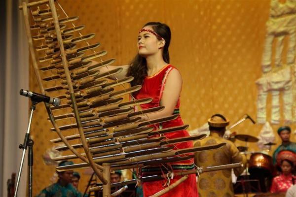 Beberapa Jenis Instrumen Musik Vietnam Melalui Konser Musik