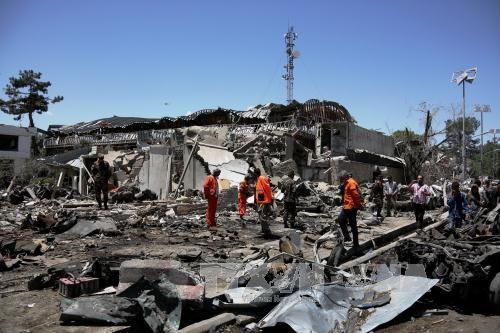 Kasus serangan bom di zona korps diplomatik di Kabul, Afghanistan: jumlah yang tewas meningkat menjadi 150 orang - ảnh 1