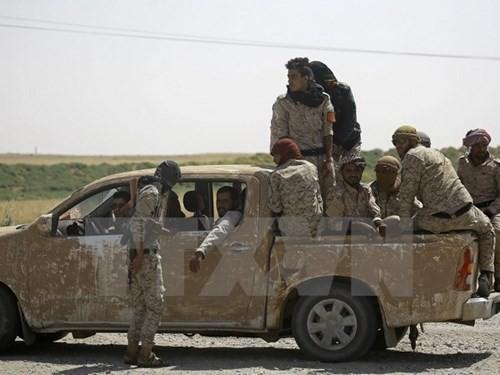Suriah: Pasukan koalisi yang dikepalai oleh AS melakukan serangan udara di Raqqa sehingga membuat penduduk sipil tewas - ảnh 1