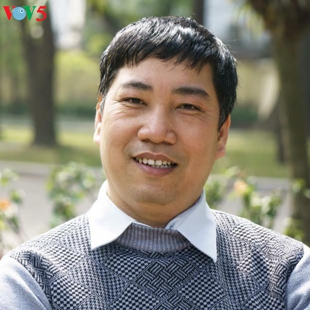 Wartawan, penulis Mai Van Lang berupaya keras untuk mengoleksi dan melestarikan lagu rakyat - ảnh 1