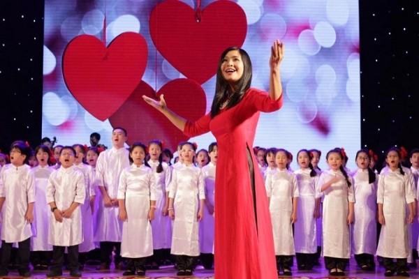 Mengembangkan seni paduan suara  anak-anak Vietnam - ảnh 1
