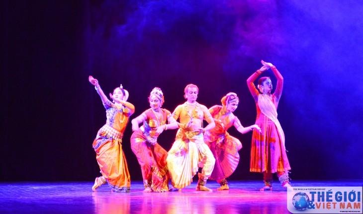 Malam musik memperingati ulang tahun ke-45 penggalangan hubungan diplomatik Vietnam-India - ảnh 1