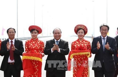 Mengoperasikan jembatan lintas laut yang paling panjang di Asia Tenggara di Kota Hai Phong - ảnh 1