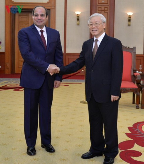 Sekjen Nguyen Phu Trong menerima Presiden Republik Arab Mesir, Abdel Fattah El Sisi - ảnh 1