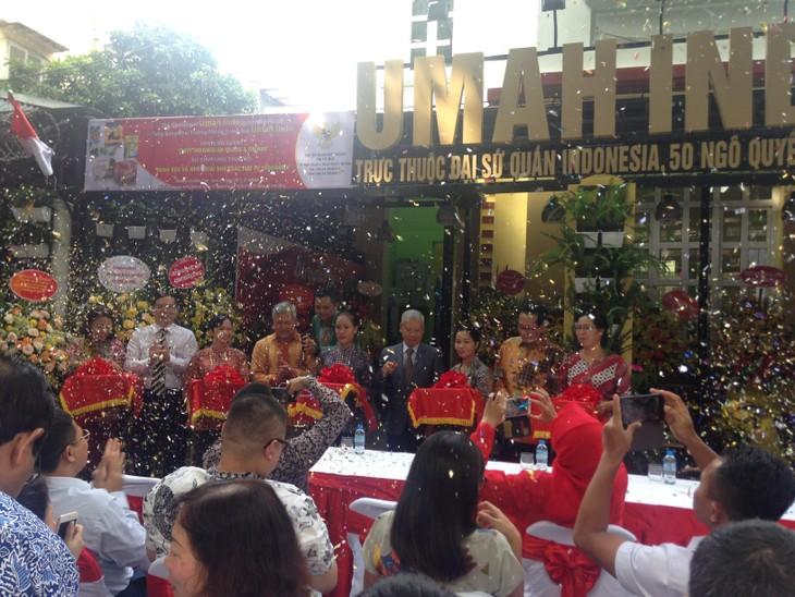 Membawa bahan makanan dan minuman Indonesia lebih dekat dengan warga Vietnam - ảnh 1