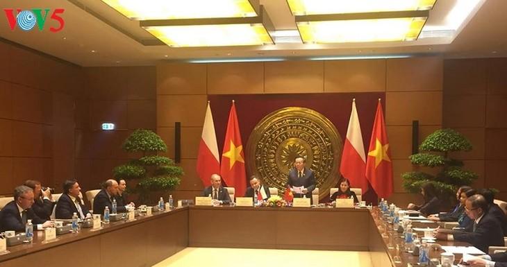 Pertemuan antara Kelompok Legislator Persahabatan MN Vietnam dan Parlemen Polandia - ảnh 1