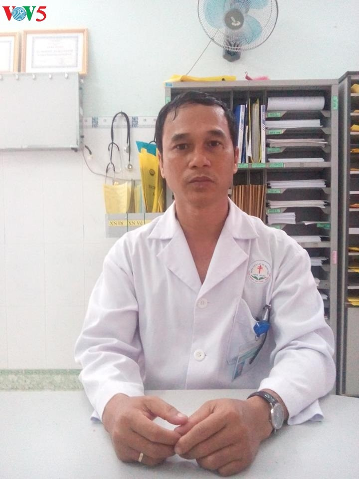 Dang The Vy-Dokter yang sepenuh hati menekuni profesi - ảnh 1