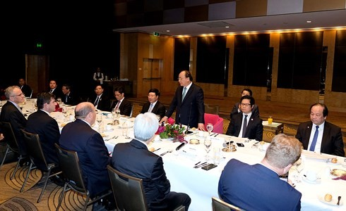 PM Nguyen Xuan Phuc menemui berbagai grup dan investor papan atas dua negara Vietnam dan Australia - ảnh 1