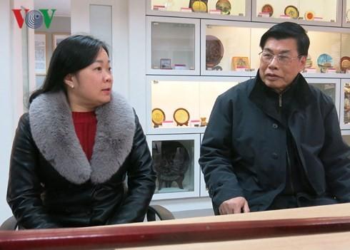 Ibu kedua bagi mahasiswa Vietnam di bumi Tiongkok - ảnh 1