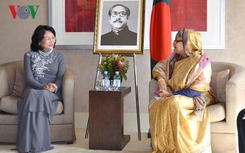 Wakil Presiden Dang Thi Ngoc Thinh menemui PM Bangladesh - ảnh 1