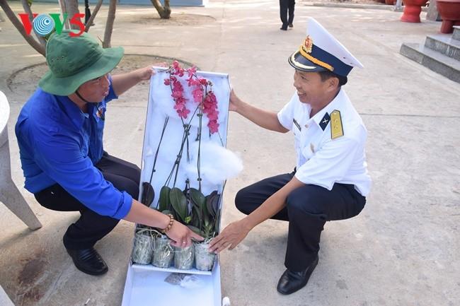 Phan Thanh Sang-Pemuda yang tipikal dalam melakukan pembibitan benih hijau untuk laut dan pulau kampung halaman - ảnh 1