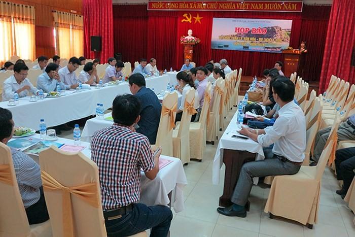 """Pekan Wisata-Budaya Ly Son: Memajang pameran spesialis """"Ly Son-Pusaka laut dan pulau"""" - ảnh 1"""