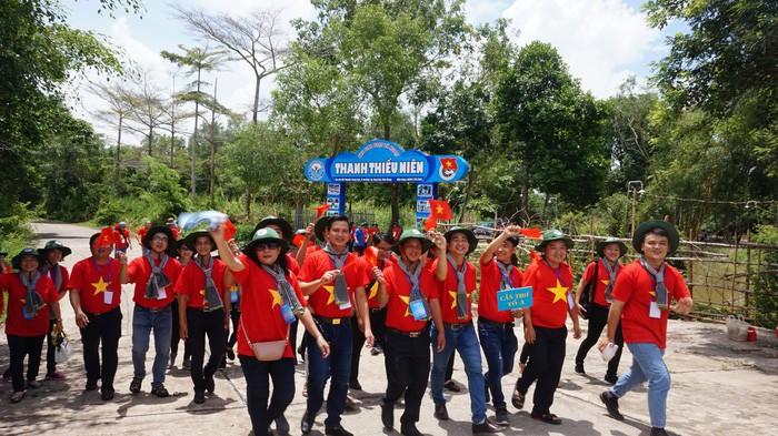 Kaum muda Daerah Dataran Rendah Sungai Mekong dan gerakan laut dan pulau adalah rumah - ảnh 1