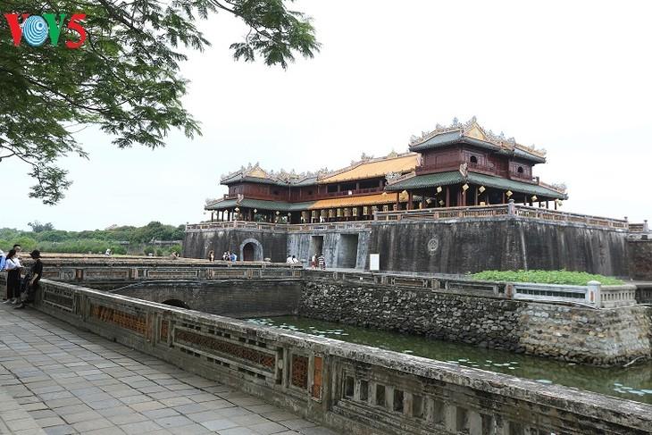 Mengkonservasikan dan mengembangkan nilai pusaka budaya Hue - ảnh 1