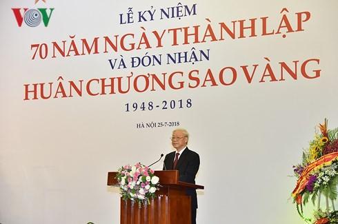 Sekjen Nguyen Phu Trong menghadiri acara peringatan ulang tahun ke-70 berdirinya Gabungan Asosiasi Seni dan Sastra Viet Nam - ảnh 1
