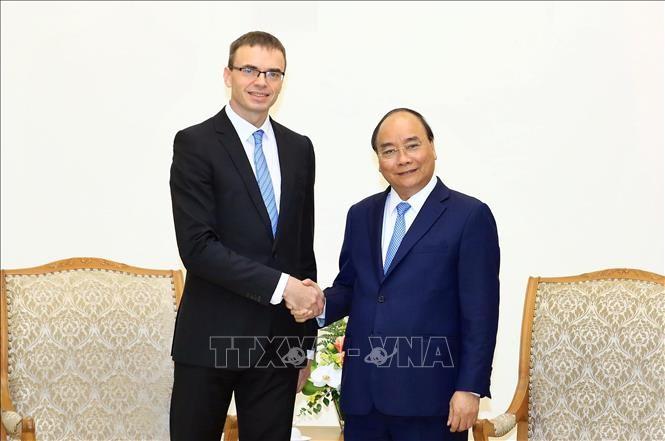 PM Nguyen Xuan Phuc menerima Menlu Estonia, Sven Mikser - ảnh 1