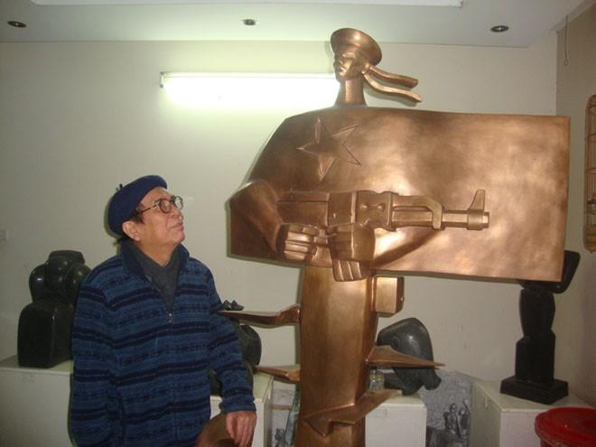 Pengukir Ta Quang Bao – Salah seorang di antara sedikit pengukir yang menciptakan paling banyak tugu monumen di Vietnam - ảnh 1