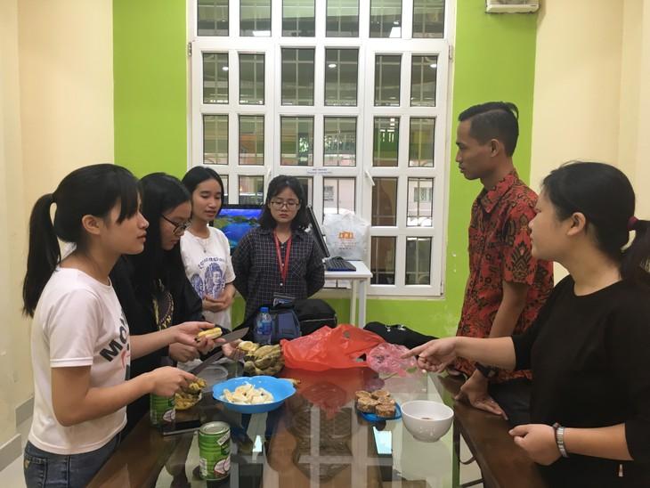 Menemui Eko Widianto- relawan pengajar bahasa Indonesia di Kota Ha Noi - ảnh 1