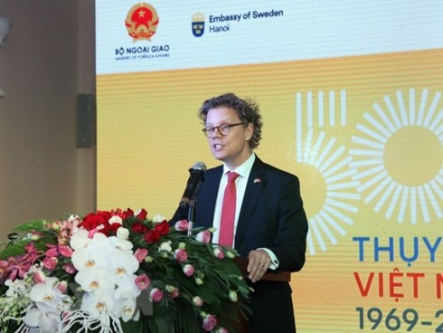 Memperingati ulang tahun ke-50 penggalangan hubungan diplomatik Viet Nam-Swedia - ảnh 1