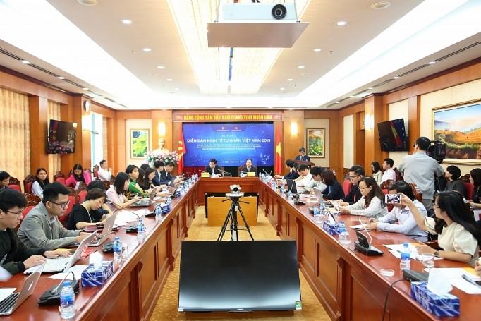 Pimpinan Partai Komunis dan Pemerintah Viet Nam akan melakukan dialog dengan 2.500 wirausaha swasta di Forum Ekonomi Swasta Viet Nam 2019 - ảnh 1